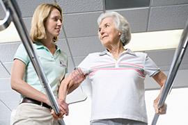older_woman+aid-83405476